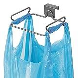 mDesign Soporte para Bolsa de Basura – Colgador de Puerta metálico para Bolsas de residuos y Otras Bolsas – Cuelgabolsas fácil de Colocar sobre Las Puertas de los Muebles de Cocina – Gris Oscuro