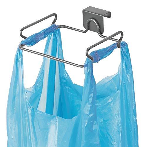 mDesign Müllsackhalter aus Metall – Halterung für Müllsäcke und Tüten in der Küche – einfach zu montierender Sackhalter für die Küchenschranktür – dunkelgrau