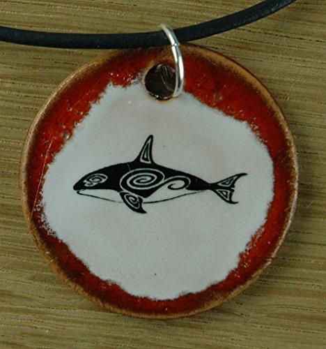 Echtes Kunsthandwerk: Toller Keramik Anhänger mit einem Wal; Beluga, Meer, See, Wasser, Tattoo