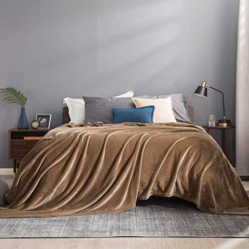 Bedsure Manta Cama 180 Invierno - Manta Sofa Extra Grande de Franela Suave, Mantas 270x230 cm Cubre Sofas, Camello