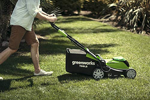 Greenworks Cordless Lawnmower G40LM41K2X (Li-Ion 40 V 41cm Cutting Width up to 600msq 2in1 Mulching & Mowing 50 l Grass Bag 5-level Central Cutting Height Adjustment Incl. 2 Battery 2Ah & Charger