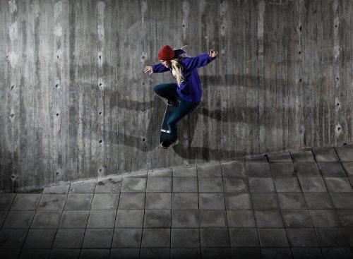 P171601-8 Foto-Tapete Vlies-Wandbild Skateboard Wallride an Betonwand Sport-Motiv