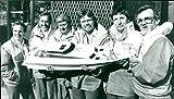 The crew of the Virgin Atlantic Challenge. - Vintage Press Photo