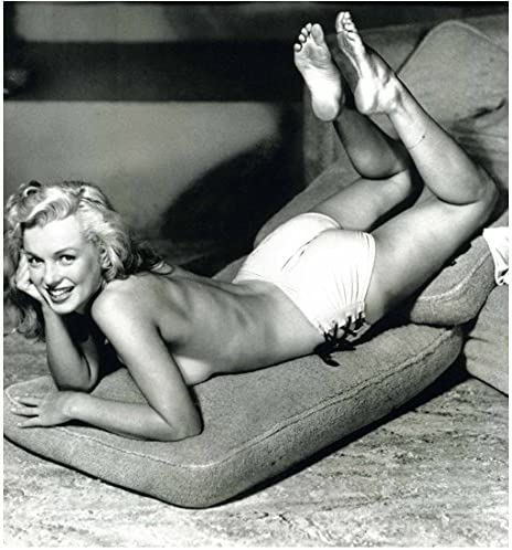 Manufacturer regenerated product Marilyn Monroe Posing Laying Down on 10 8 x Inch Couch SALENEW very popular Cushions