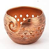 Hind Handicrafts Cuenco de almacenamiento de hilo portátil de hierro antiguo, acabado metálico hecho a mano oscuro sólido, soporte para tejer accesorios de ganchillo (cobre, 15 x 15 x 10 cm)