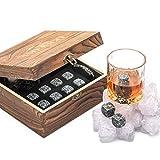 Deluxe Whisky Steine Geschenkset - Sei anders bei der Geschenkauswahl - Luxus Handgemachte Holzkiste mit 2 Whiskey Gläsern - 8 Granit Kühlsteine + Samtbeutel - Whisky Stones Gift Set - 10