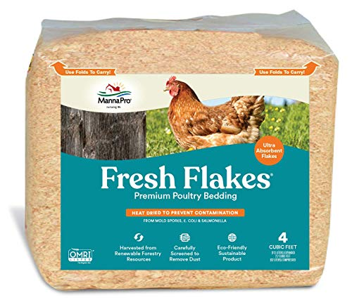 Manna Pro Fresh Flakes | Chicken Coop Bedding | Pine Shavings for Chicken Bedding | 4 Cubic Feet