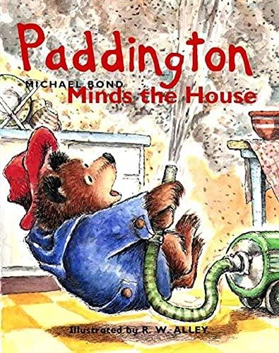 Paddington Minds the House (English Edition)