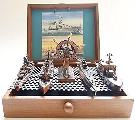Conjunto de 5 Embarcações de época em metal - Titanic