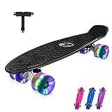 BELEEV Skateboard 55cm/22inch para Principiantes Adultos y Niños, Mini Cruiser Retro Skateboard con All-in-One Skate T-Tool, Skateboard con 4 LED PU Ruedas(Negro)