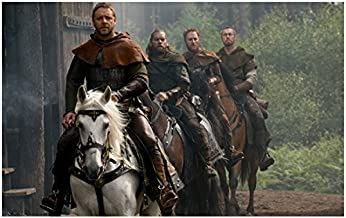 Robin Hood Russell Crowe as Robin Alan Doyle as Allan Scott Grimes as Will and Kevin Durand as Little John 8 x 10 Inch Photo
