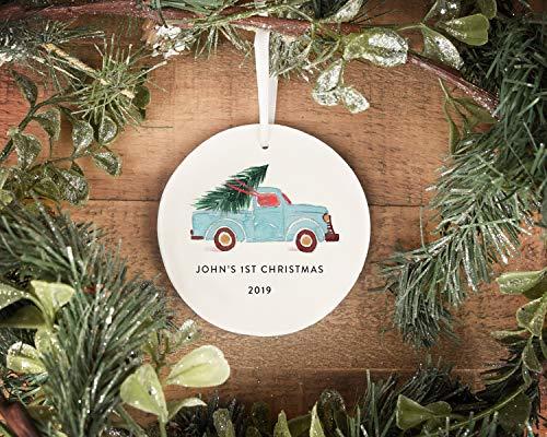Lplpol 7,6 cm Cerchio Ornamento Ceramica Personalizzato Ornamento Primo Natale Del Bambino Ornamento Acquerello Camion Con Albero Personalizzato Casa Ornamento