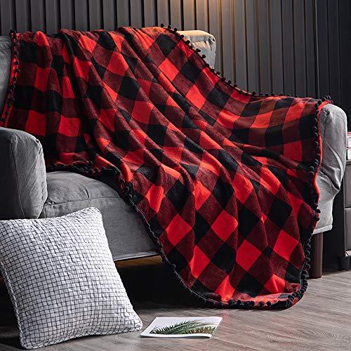 TEALP Fleece Decke mit Pom Pom Fransen | Buffalo Plaid Karierter roter und schwarzer Flanellüberwurf für Couch-Schlafsofa Geeignet für alle Jahreszeiten (130 x 150 cm)
