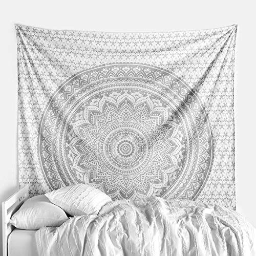 THE ART BOX Indian Mandala Wall Tapestry Queen Silver and White Wall Hanging Blanket Hippy Psychedelic Glitter 90x85 Tapesty Mandela Hanging Tapestries Cotton Throw Blanket Trippy
