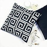 Offtopic Greek - Juego de 2 fundas de cojín para sofá, 45 x 45 cm, de terciopelo suave, cojines decorativos elegantes con diseño italiano y moderno, cojines blancos y negros de estilo minimalista