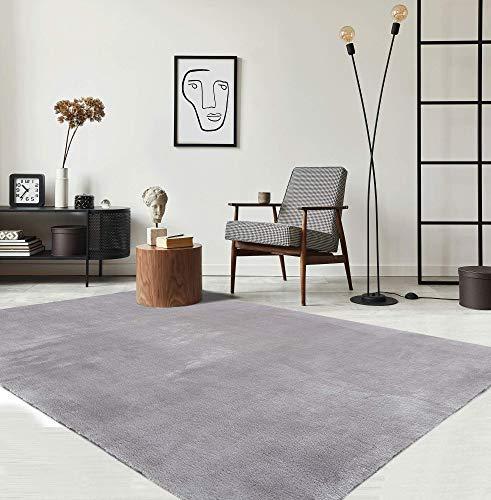 the carpet Relax Moderner Flauschiger Kurzflor Teppich, Anti-Rutsch Unterseite, Waschbar bis 30 Grad, Super Soft, Felloptik, Grau, 120 x 170 cm