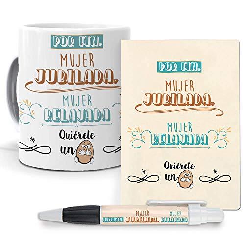 mundohuevo Pack Original y Personalizado para Regalo, Ideal para jubilacion y Eventos. Mujer jubilada, Mujer Relajada. Libreta, boligrafo y Taza Maxima Calidad.