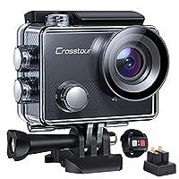 2 Zoll LCD 4K Action Cam- Crosstour Action Cam hat reiche Video-Optionen 4K (30fps), 2.7K (30fps) und 1080P (120fps) auf Ihre Präferenz. Echtzeit- und Zeitraffer-Aufnahme eignet sich für Selbstfotografie. 2.4GHz wirelesse Fernbedienung- Drücken Sie e...