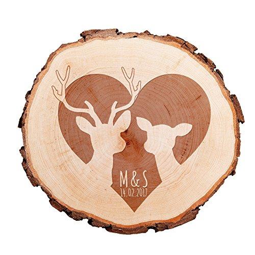 Casa Vivente Baumscheibe mit persönlicher Gravur – REH und Hirsch in Herz – Personalisiert mit [INITIALEN] – Türschild – Wanddeko – Hochzeitsgeschenk, Geschenk für Freundin zum Valentinstag