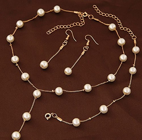 Faux Pearl Necklace Earring Bracelet Jewelry Set, Delicate and Classy Costume Jewelry Favors (Gold)
