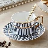 Set di tazze da caffè reali europee Coppa britannica e piattino Tazza da tè occidentale in ceramica di prima classe Tazza da tè pomeridiana con cucchiaio rosa dorato