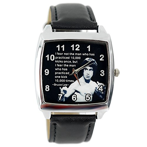 "Taport® Quarz-Armbanduhr ""Bruce Lee"", quadratisch, schwarzes Echtleder-Armband, Zifferblatt mit Text"