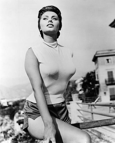 Sophia Loren 16x20 Poster huge breasts in tight top & shorts 1955
