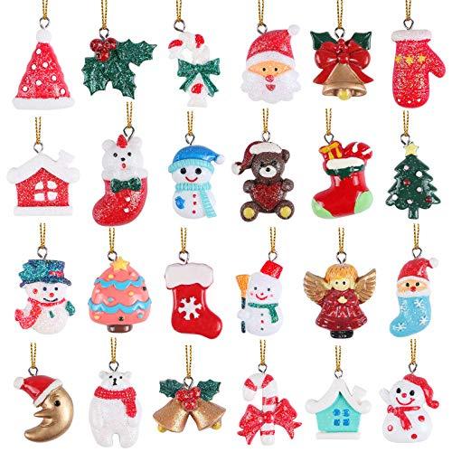 24pcs Accessoires de Noël Miniatures Résine Cloches Chapeaux Noel Bonhomme de Neige Canne de Bonbon Artisanat Breloque Charmes Noël Mini Decoration Noël Ornements Décoration de Noël Figurine