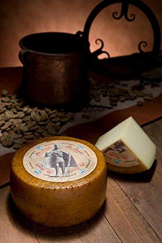 3.2 kg - Re Sardo - Pecorino semistagionato prodotto a Marrubiu, dai casari di Sepi Formaggi.