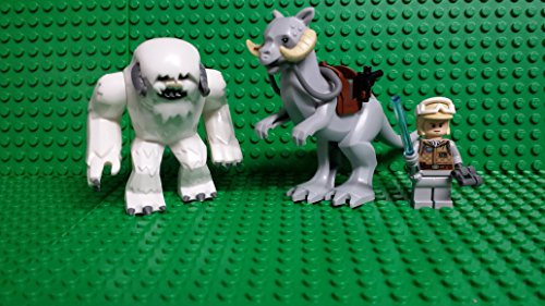 LEGO Star Wars Tauntaun Hoth with Luke and Wampa