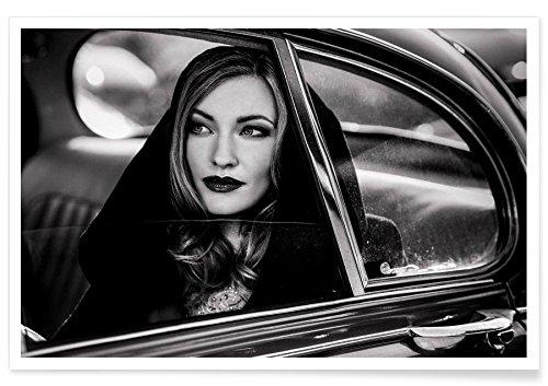 """JUNIQE® Poster 20x30cm Schwarz & Weiß Menschen - Design """"Caught in a moment of absence… - Peter Müller"""" (Format: Quer) - Bilder, Kunstdrucke & Prints von jungen Künstlern entworfen von 1x"""