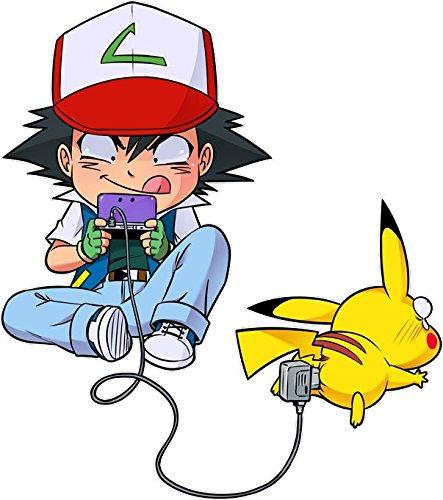 Okiwoki T-Shirt Noir Pokémon parodique Pikachu et Sasha : Batterie de Secours (Super Deformed) (Parodie Pokémon)