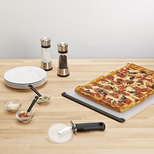 Product Image 4: OXO 1065872 Good Grips 4-inch Pizza Wheel and Cutter for Non-Stick Pans,Clear/Black