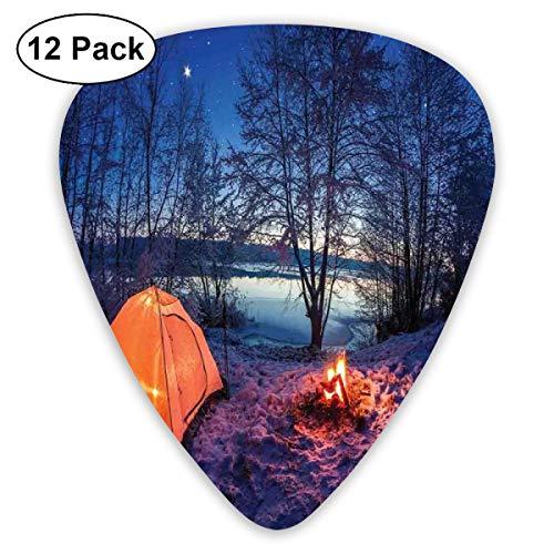 Gitaar Picks12 stks Plectrum (0.46mm-0.96mm), Dark Night Camping Tent Foto In Winter Op Sneeuw Overdekte Lands Door Het Meer,Voor Uw Gitaar of Ukulele