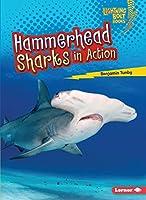 Hammerhead Sharks in Action (Lightning Bolt Books: Shark World)