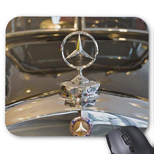 Deutschland, Baden-Württemberg, Stuttgart. Mercedes Mauspad