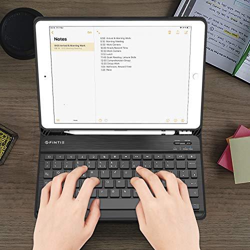 Fintie Tastatur Hülle für iPad 10.2 Zoll (8. und 7. Generation - 2020 / 2019), Soft TPU Rückseite Gehäuse Schutzhülle mit Pencil Halter, magnetisch Abnehmbarer Tastatur mit QWERTZ Layout, Schwarz