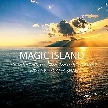 Magic Island Vol. 9 mixed by Roger Shah