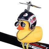 BSGP Décorations originales pour voitures, adorable figurine de petit canard jaune avec casque requin, accessoires décoratifs pour intérieur de voiture, vélos, motos, cadeau pour enfants