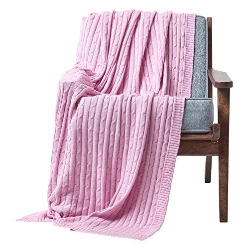 Homescapes gestrickte Tagesdecke, rosa Wohndecke 130 x 170 cm aus 100% Baumwolle mit Zopfmuster, ideal als Sofaüberwurf, Kuscheldecke, Plaid oder Babydecke, Hellrosa