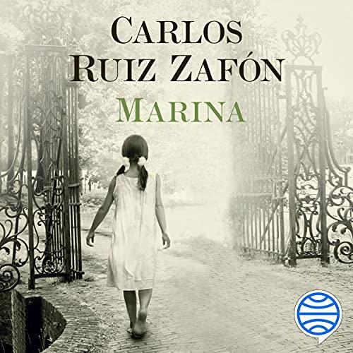 Diseño de la portada del título Marina