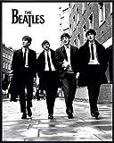 Close Up Beatles Poster (52x41 cm) gerahmt in: Rahmen