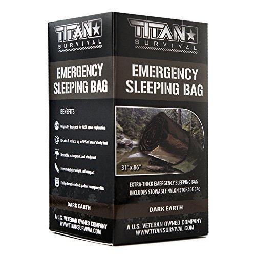 Titan extra dicker Notfall-Schlafsack aus Mylar, entworfen für NASA-Weltraum-Exploration und Wärmespeicherung. Perfekt für Survival-Kits und Go-Bags. Inklusive Nylon-Beutel mit Kordelzug und eBooks