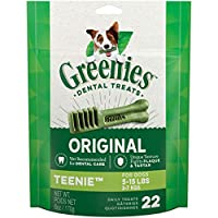 Contains one (1) 6 oz. 22-count pack of GREENIES Original TEENIE Natural Dental Dog Treats; Natural Dog Treats Plus Vitamins, Minerals and Other Nutrients The unique texture of GREENIES Dog Chews cleans down to the gumline to fight plaque and tartar ...
