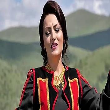 Kenge Dasmash -Motrat Zeqiri (live)
