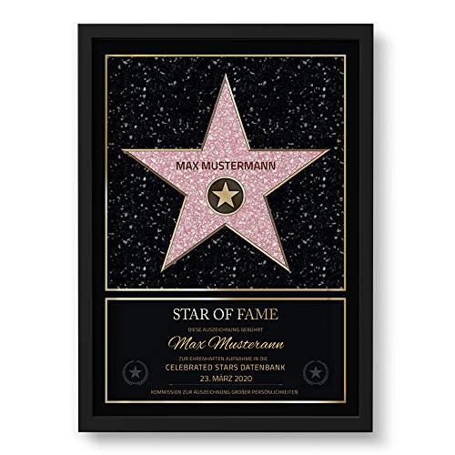 GOODS+GADGETS Persönlicher Hollywood Stern Walk of Fame Stil - Star of Fame Urkunde mit Name und Holzrahmen Personalisiert mit Namen und Datum Wanddeko mit Bilderrahmen (DIN A3-30 x 42 cm)