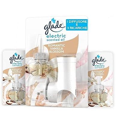 Foto di Glade Essential Oil, Diffusore per Ambiente Elettrico agli Olii Essenziali, Fragranza Romantic Vanilla Blossom, Confezione da 1 Base + 3 Ricariche