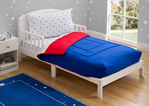Toddler Bedding Set | Boys 4 Piece Collection | Fitted Sheet, Flat Top Sheet w/ Elastic Bottom, Fitted Comforter w/ Elastic Bottom, Pillowcase | Delta Children | Boys American | Red White Blue