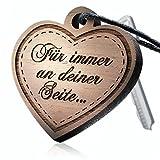 schenkYOU® SOULMATE Schlüsselanhänger mit Gravur aus Holz - Ihr eigener Wunschtext - Ein ganz persönlich gravierter Herz Anhänger