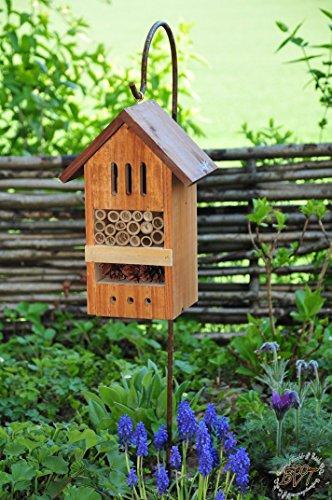 BTV Batovi Insektenhaus Dunkelbraun Teak Look mit Schmetterlingshaus braun Insektenhotel mit Metallstiel/Schäferstab 1,25 m Höhe robust, BD-MMS